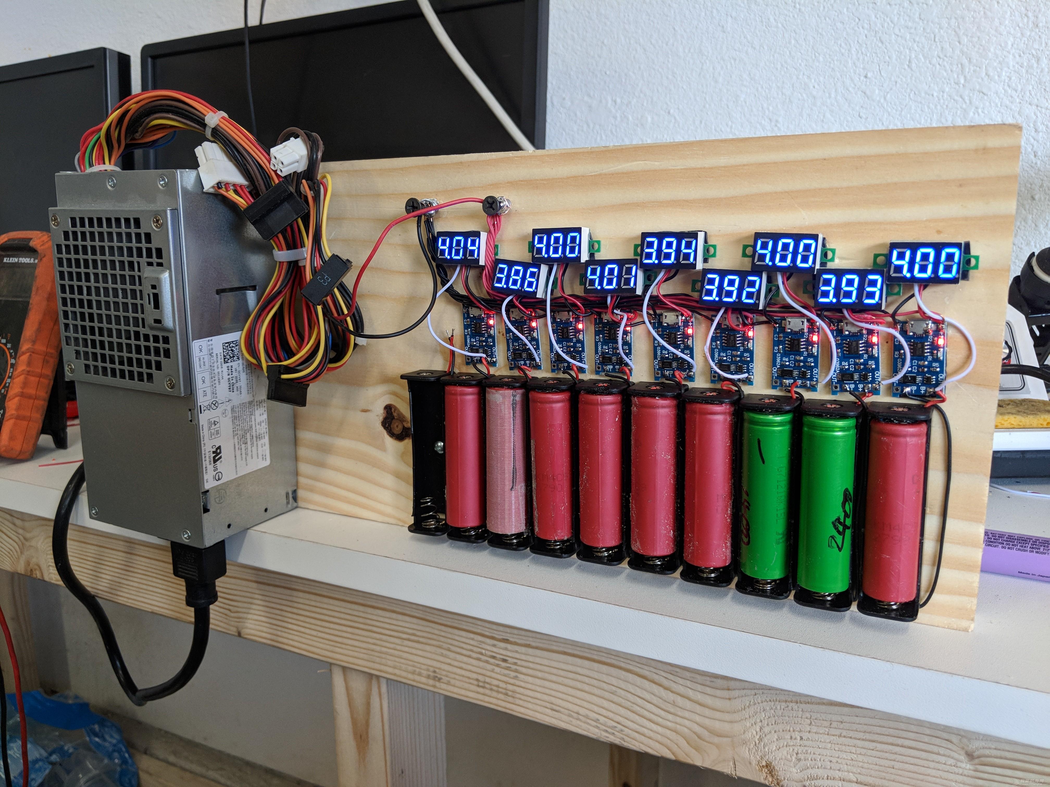 快艇+潜艇+独木舟一体的设计,已经开工 一堆电池在用TP4056芯片做的充电器搞蛋
